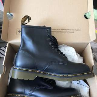 Black Dr Martins