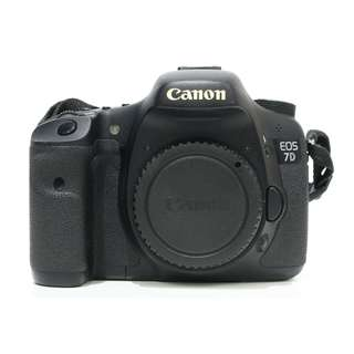 Canon EOS 7D Body ( SC 17K+ ) Canon EOS 7D Body ( SC 50K+ )