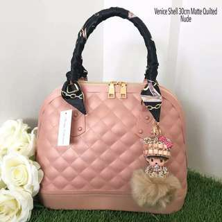 Venice Shell 30cm Matte Quilted