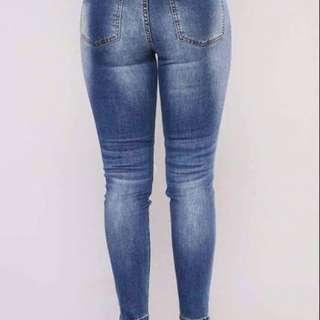 Tattered pants size : 28-40