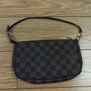 Authentic Louis Vuitton Damier Pochette