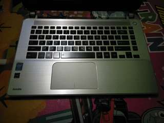 "TOSHIBA Satellite E45-B4200 - 4GB - Intel Core i5 4210U - 14"" - Silver, Laptop profesional Hybrid"