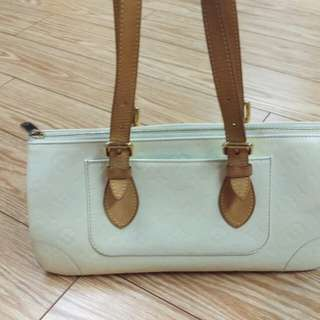 Authentic Louis Vuitton Rosewood white vernis bag 100%
