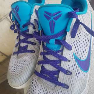 Kobe shoes very good condition