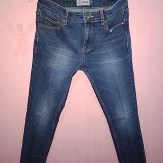 Celana panjang jeans merk nevada ukutan 30/31