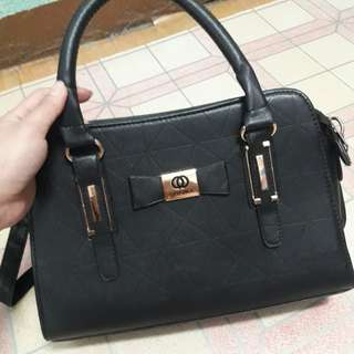 FASHION BAG 2 WAY  USED (SLING/HAND BAG)