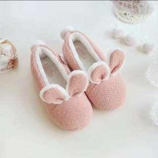 (全新)可愛毛絨兔兔保暖室內拖鞋