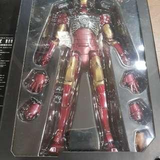 Hot Toys Ironman Mark 3 Battle Damage Version
