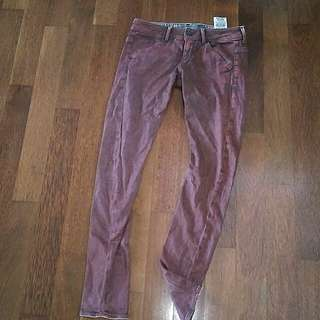 Celana Jeans Guess Maroon
