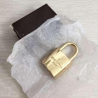 Authentic LV lock 🔒