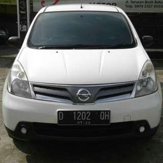 Nissan grand Livina SV mt 2012 putih