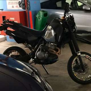 Parts only XR400 Honda Scrambler Motard Supermoto Good Condition Engine