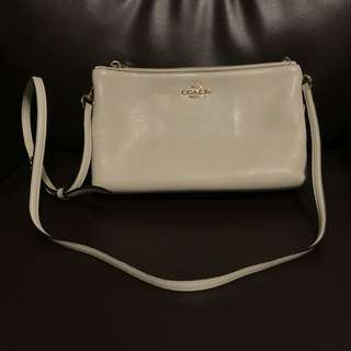 Coach 白色斜咩袋 cross body bag