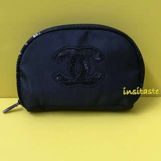 Chanel Blink blink semi circle small pouch - Authentic Counter Gft - Tempat Make Up - Dompet Kosmetik - Nett Price ❗️