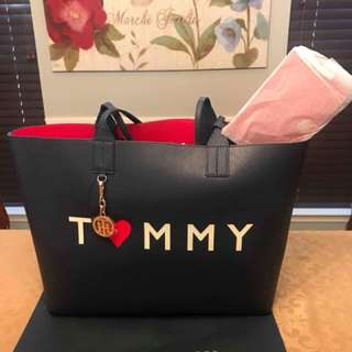 Pre-order Tommy Reversible Tote
