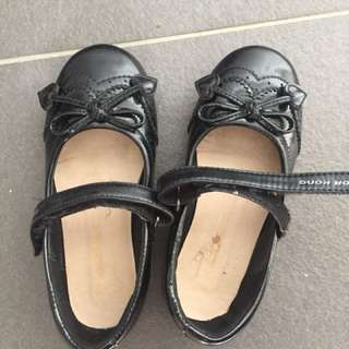 Dr Kong girl shoes size28 (5years old)