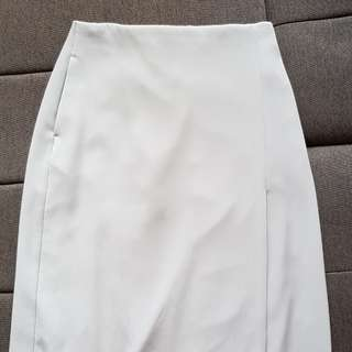 Uniqlo pencil skirt (with pockets!)