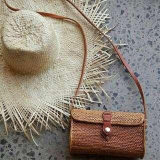 Pocket rattan bag