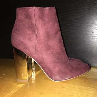BURGUNDY GOLD BOOTIES SIZE 9