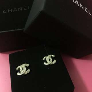 [NEW] AUTHETIC CHANEL EARRINGS from Paris
