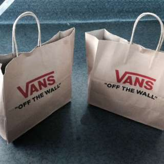 VANS AUTHENTIC!!