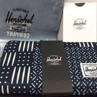 Herschel zip wallet (authentic)