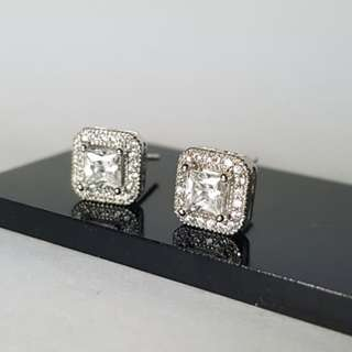 Anting Square Cubic Zirconia White Gold Plated