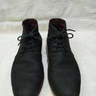 Semi boot