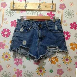 tattered high waist shorts