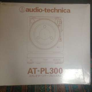 AUDIO TECHNICA TURNTABLE AT-PL300