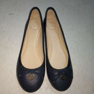 Tory Burch womens flat shoes size 6