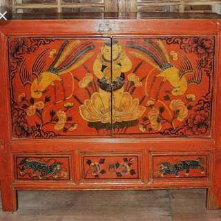 Antique cabinet in awesome condition