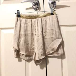 Bardot shorts size 6