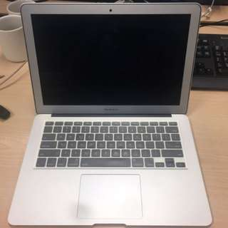 MacBook Air (13-inch) in Good Condition