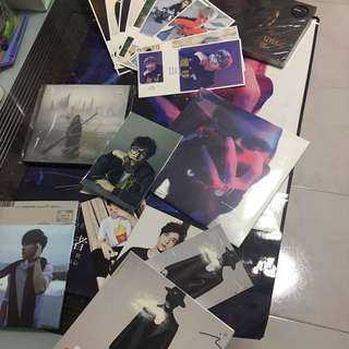 薛之谦 Jacky Xue - All 5 album plus 1 free poster ,12 post cards ,1 Signature photo 4R with Signature on the latest Album