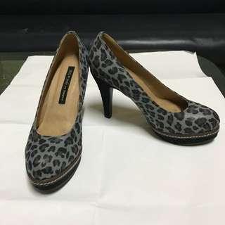 IKI2專櫃灰色豹紋高跟鞋/包鞋,23/36碼