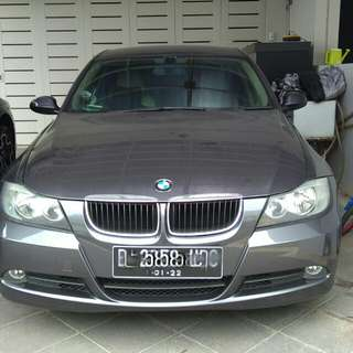 BMW 320i (Over Credit)