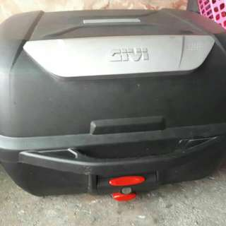 Givi box 43L