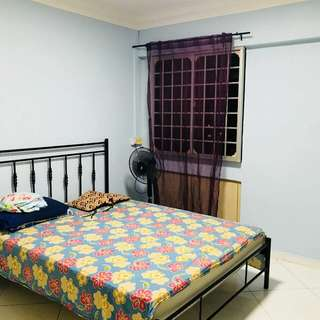 common room available for rent..full room for $650, sharing for $350 per person..  queen size bed, fully furnished room.  can use the living area and kitchen.  includes all facilities like wifi and PUB
