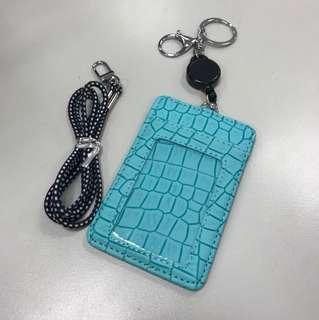 🚚 清倉亂賣‼️蛇皮紋湖水藍拉繩證件套悠遊卡套含掛繩