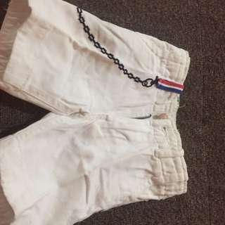 jeans putih pendek