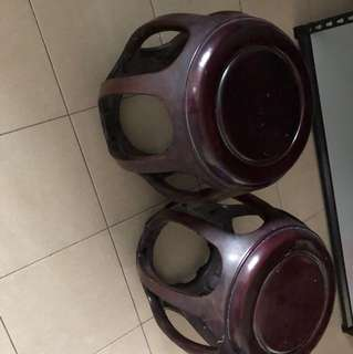 1 pair of wooden stool