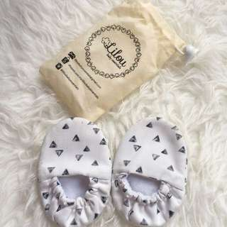 Triangle Baby Booties