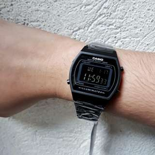 CASIO ILLUMINATOR MATTE BLACK