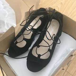 boohoo low block heels size 6