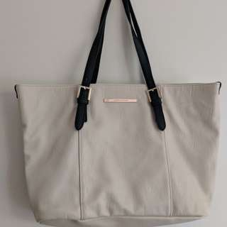 Creme White Handbag/tote bag