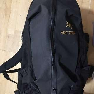 Arcteryx Arro 22 戶外旅行背囊