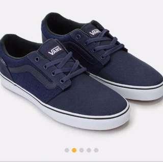 Vans sneakers 💯% authentic
