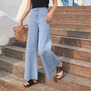 淺藍色寬褲