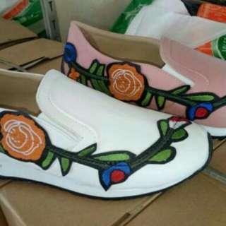 Replika gucci/ sneaker/ sepatu wanita slip on/ sepatu bordir motif